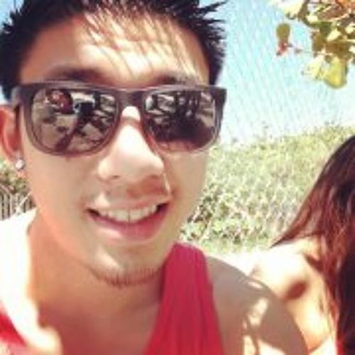 Chris Nguyen 33's avatar