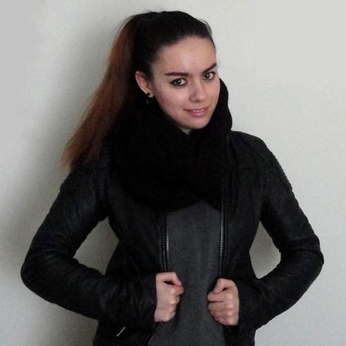Veronica Drake's avatar