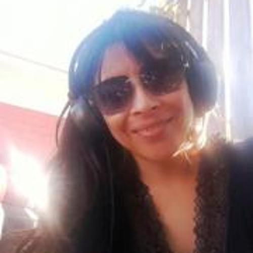 Isidora Romero Acuña's avatar