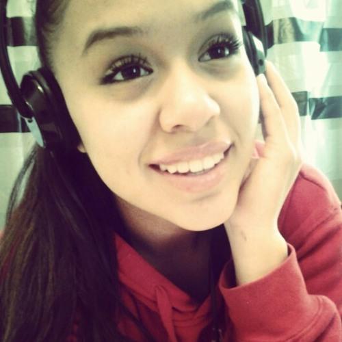 nina_hoops24's avatar