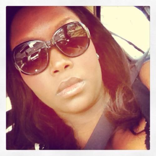 Joannette's avatar