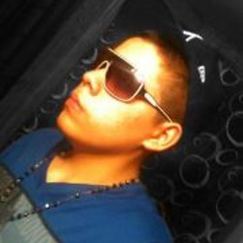 Peter Chavez 4's avatar