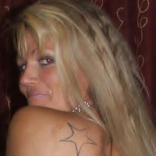 larissa bratley's avatar