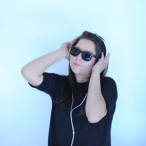 Djane Mily's avatar