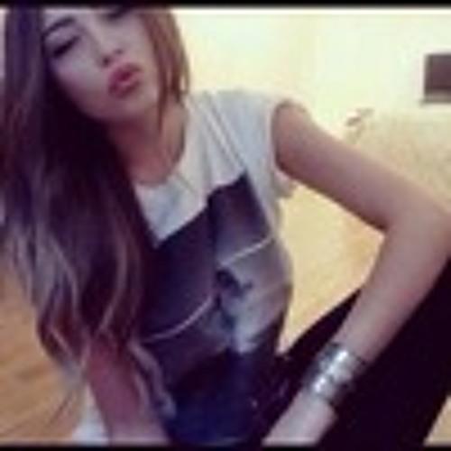 Masha Roxy's avatar