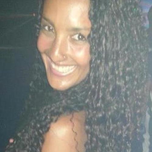 Camila Abdallah's avatar