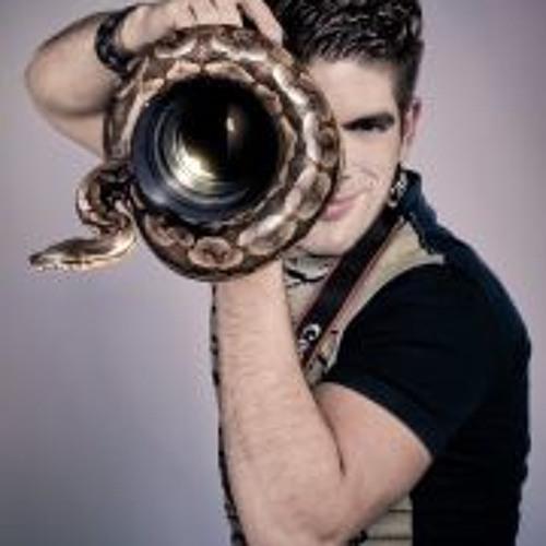 Edgar Raphael's avatar