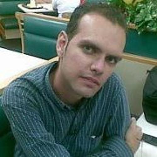 Ivanhoe D Souza Bordon's avatar
