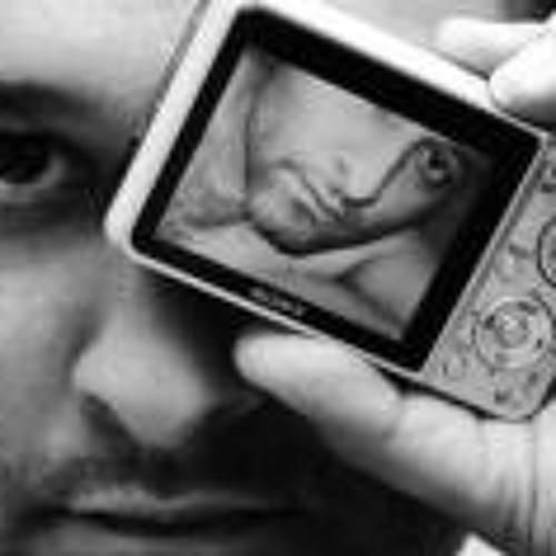 Cla Ribeiro's avatar