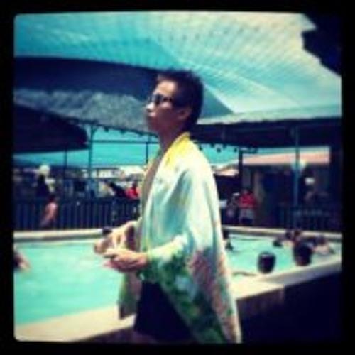 Nikki Mananghaya's avatar