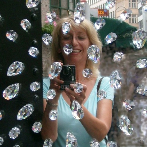 Luby Smolinska's avatar