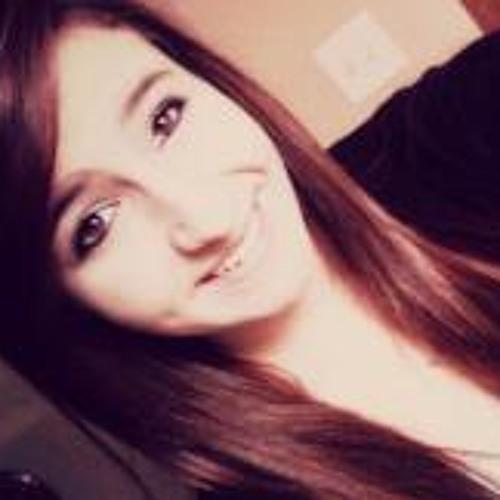 Emily Hall 18's avatar