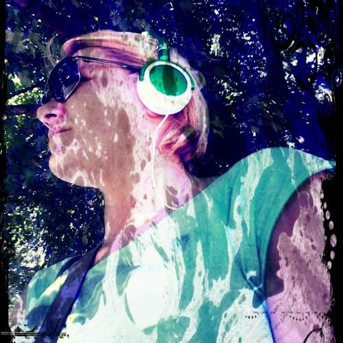 Rom Ana K's avatar