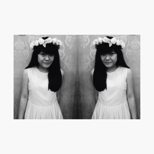 Sharyn Ong's avatar