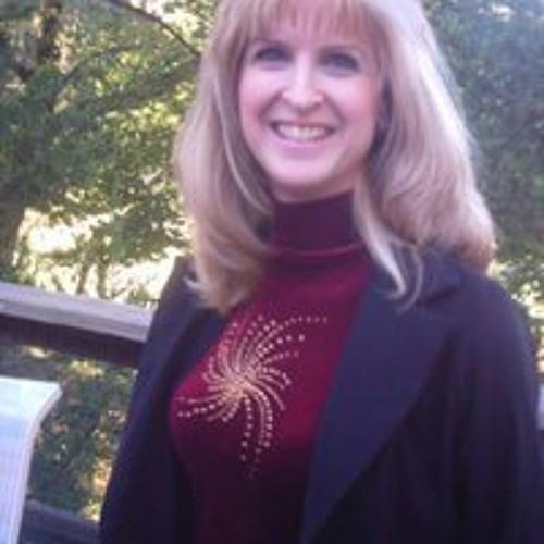 Lisa Pearce's avatar