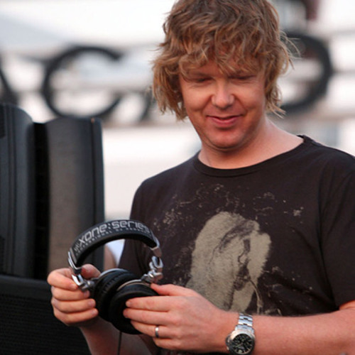 John Digweed - Transitions 451 Guest Hot Since 82 (Proton Radio) - 19-04-2013 - www.LiveSets.dj