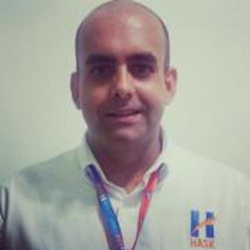 Rafael Barros 25's avatar