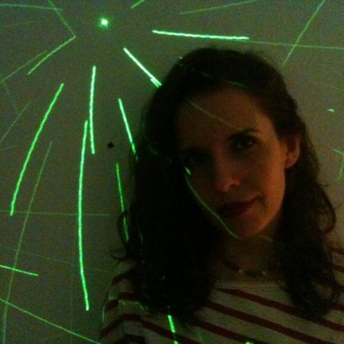 Danila Moura's avatar