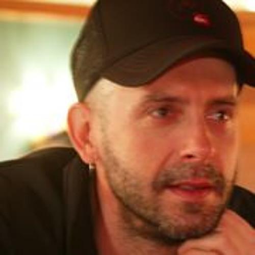 Tom Stampalia's avatar
