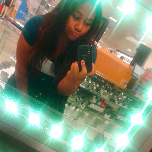 novia_691's avatar