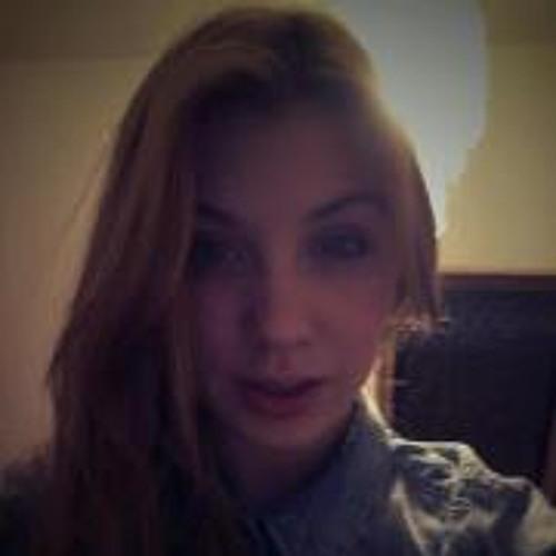 Klaudia Kummer's avatar
