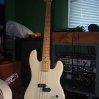 R Cocco RC4C - P Bass