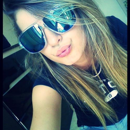 CarlaBFerrareis's avatar