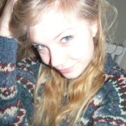 Lottie Robinson's avatar