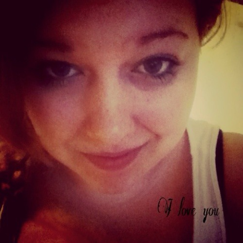 Lena :3's avatar