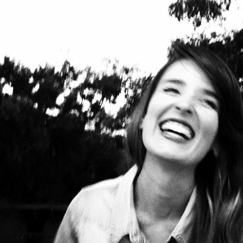 Isabella Tavares 4's avatar