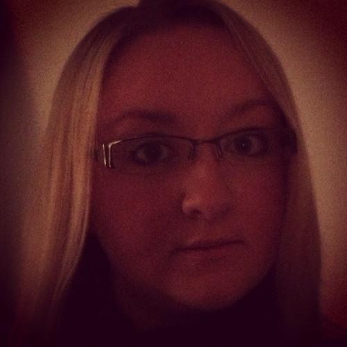 VickiB3107's avatar