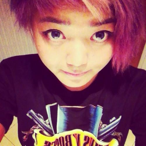 Ruthi Hangluah's avatar