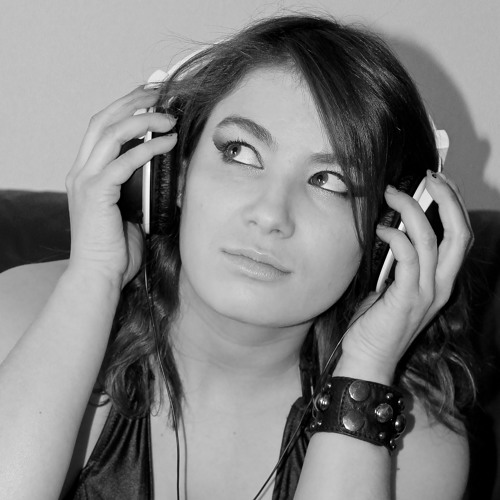 Elina modl's avatar