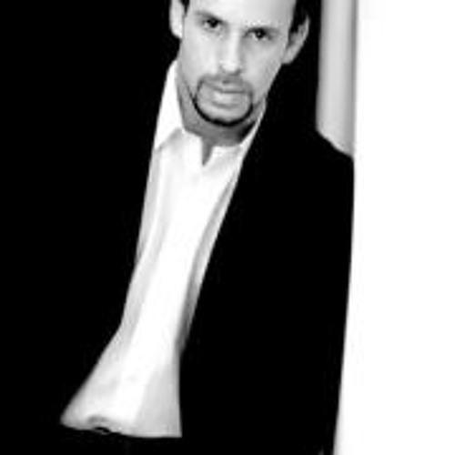 Nick Angel Angel's avatar