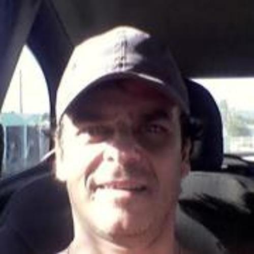 Carlos Leonardi's avatar