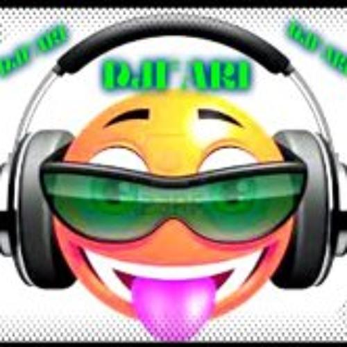 Fari Michaello Lama 1's avatar