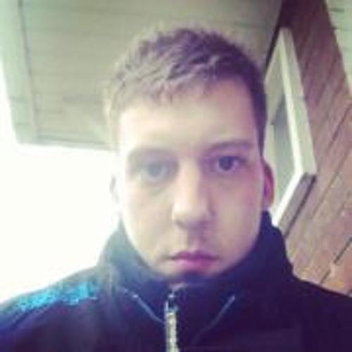 user412990996's avatar