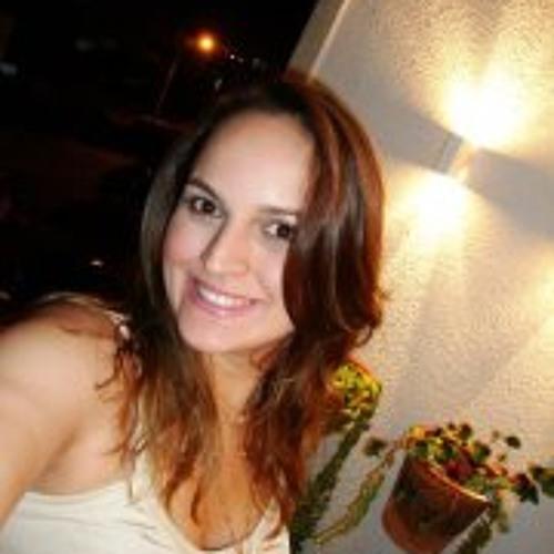 Larissa Tancredi's avatar