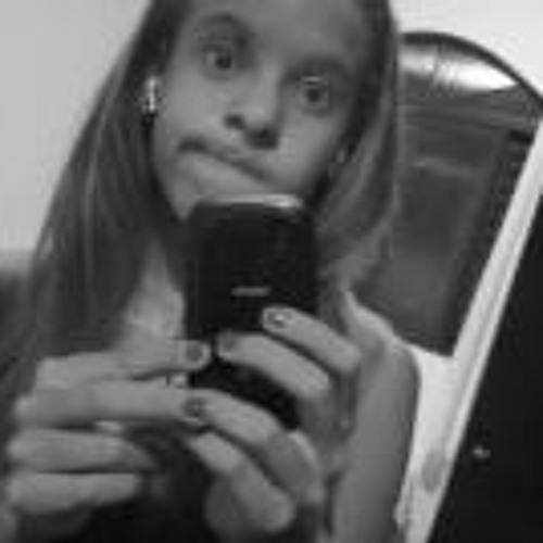 Leticia Rafaela 3's avatar