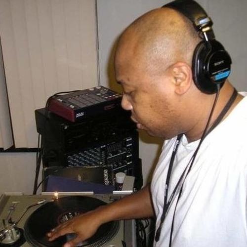 DJ Goldenglove's avatar