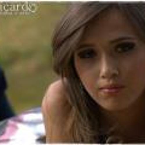 Amanda Rezende 4's avatar