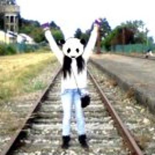 Yasna Nicole Gonzalez's avatar