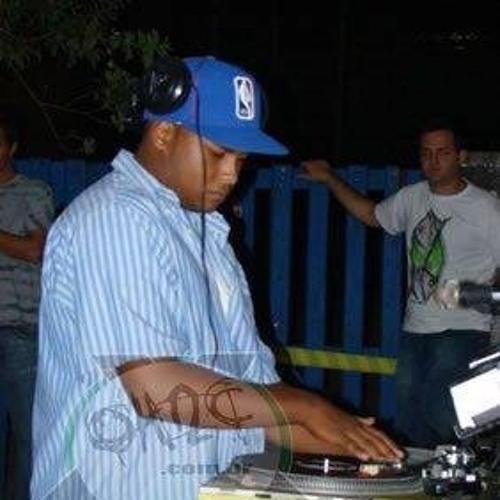 Bruno Leandro Dee Jey Bru's avatar