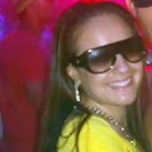 Leia Olliveira's avatar