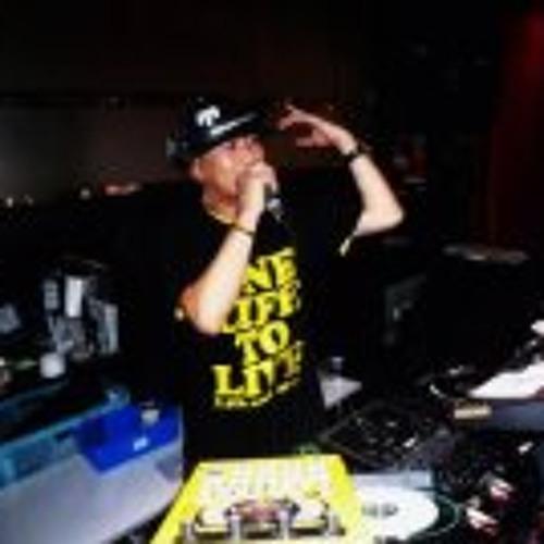 Shigeru  Tran-x's avatar