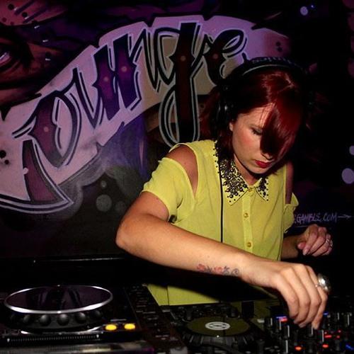 DJ Carla B's avatar