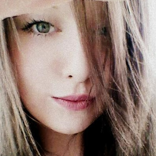 sarah caroline's avatar