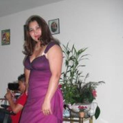 Esmeralda Robles's avatar