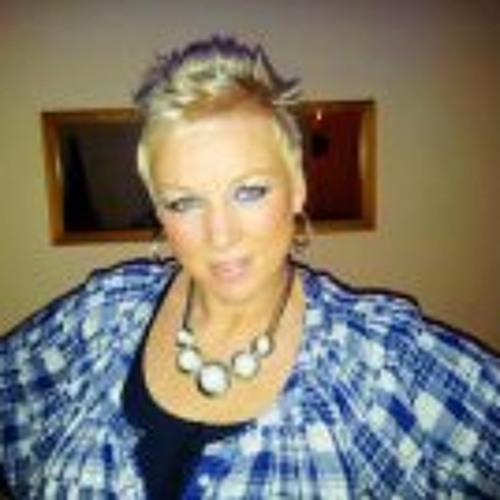 Evelyn Teunis's avatar