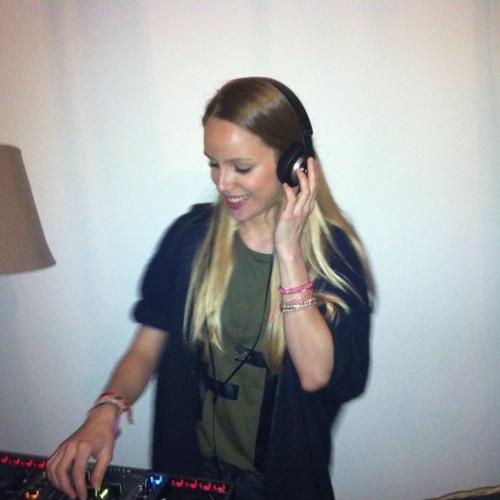 Elise Van Dreumel's avatar